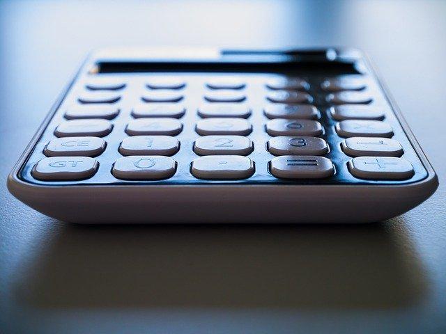kancelářská kalkulačka