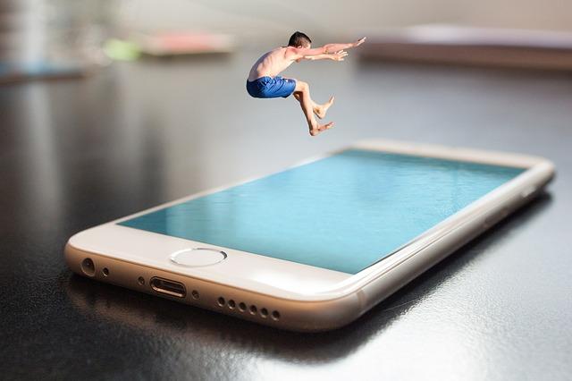 skok do mobilu